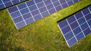Co dzieje się z nadmiarem energii  paneli fotowoltaicznych?